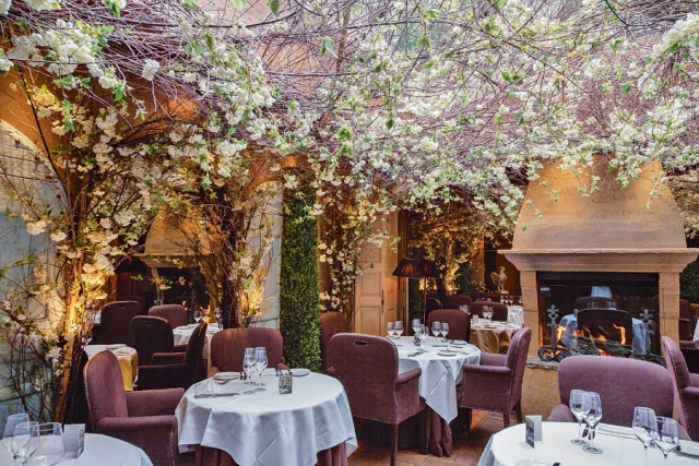 Valentine's Day: The Most Romantic Restaurants In London  Valentine's Day: The Most Romantic Restaurants In London 6 3 640x427