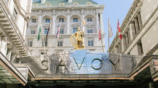 Top luxury London hotels that will blow your mind! SAVOY 2